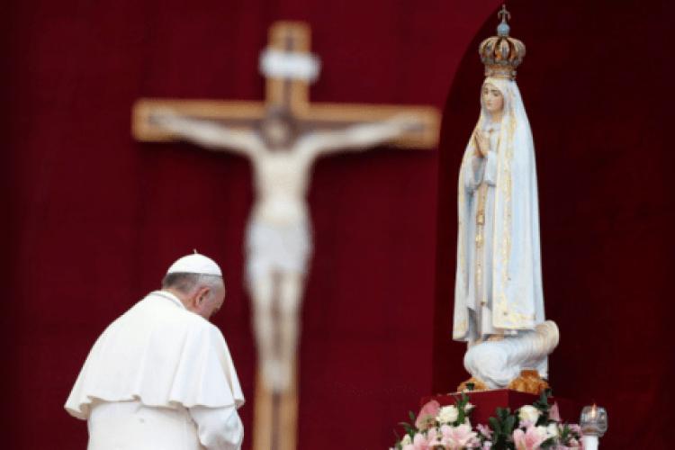 A oração do Papa Francisco para consagrar o mundo a Nossa Senhora de Fátima