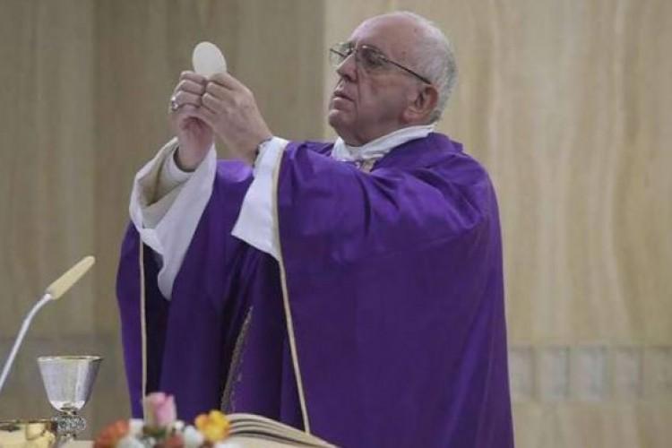 Papa Francisco: o Senhor é a rocha sobre a qual construir a vida