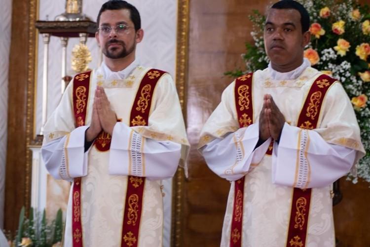 Dois diáconos serão ordenados padres, neste sábado