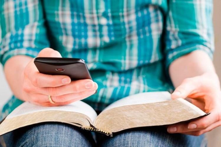 As 10 passagens bíblicas mais compartilhadas no celular