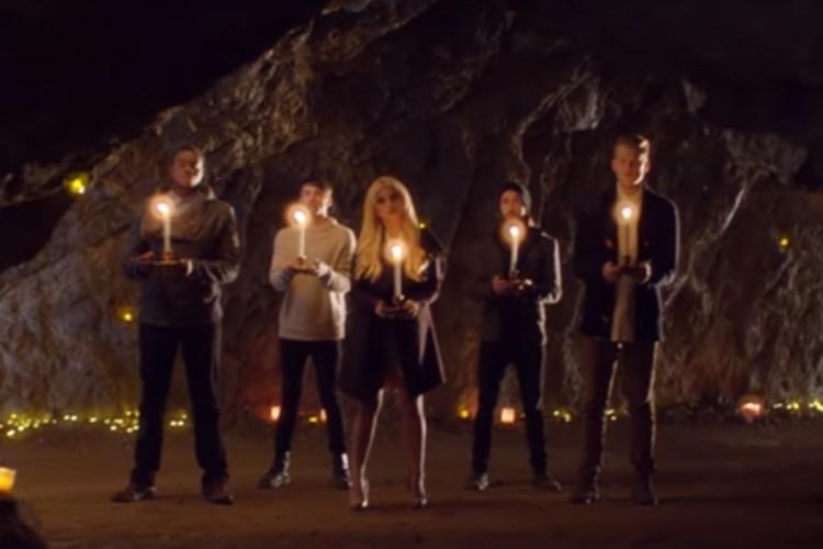 Canção sobre a Maria e o significado do Natal segue revolucionando YouTube