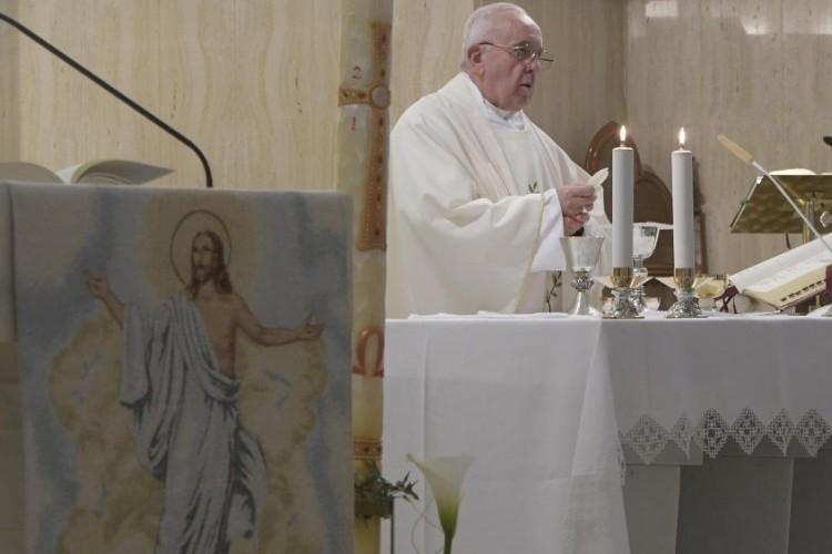Papa: que Santa Catarina de Sena ajude a unidade da Igreja