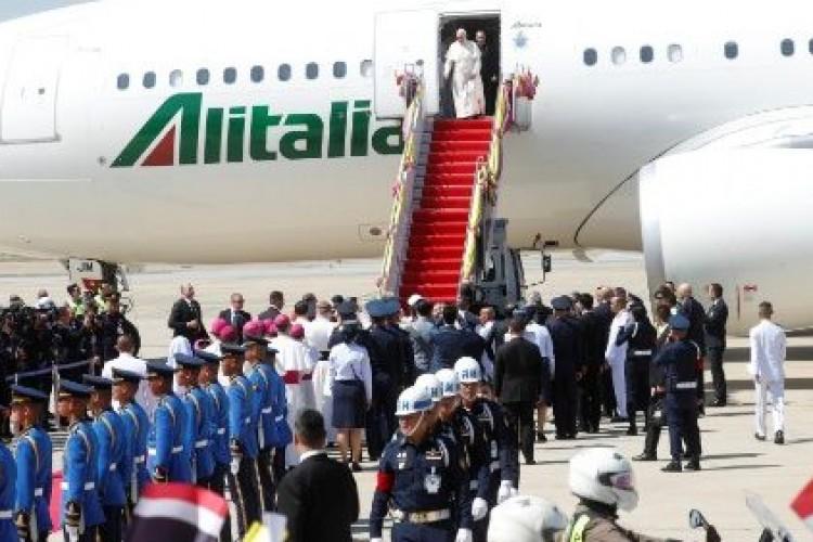 O Papa Francisco chegou à Tailândia