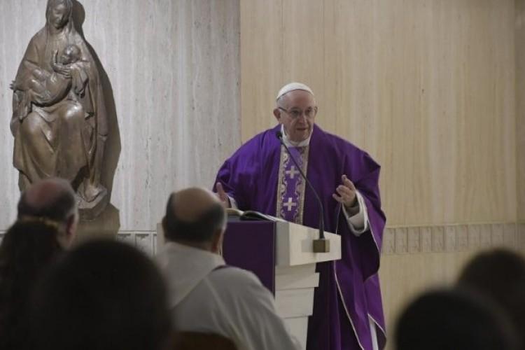 Papa: no Advento, buscar a paz interior e exterior sem ferir os outros