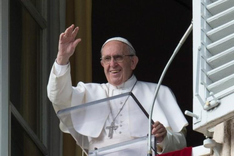 """Papa no Angelus: """"Acolher Deus com humildade e generosidade"""""""