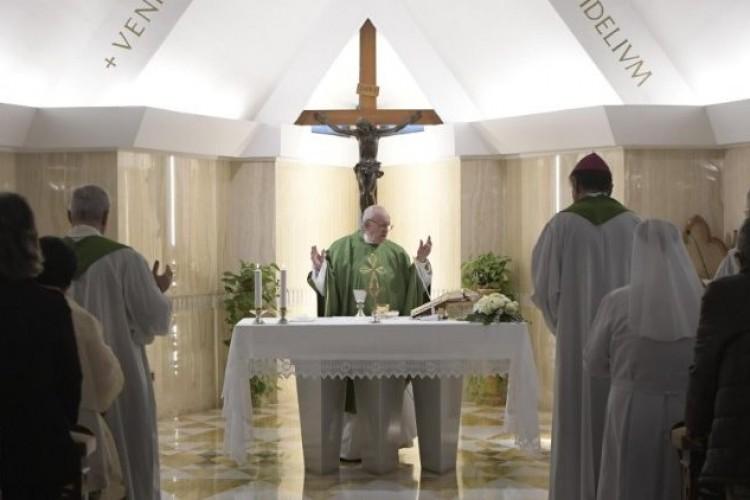 Papa Francisco: a Igreja cresce no silêncio, sem dar espetáculo