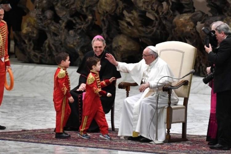 Papa: homilias breves e bem preparadas