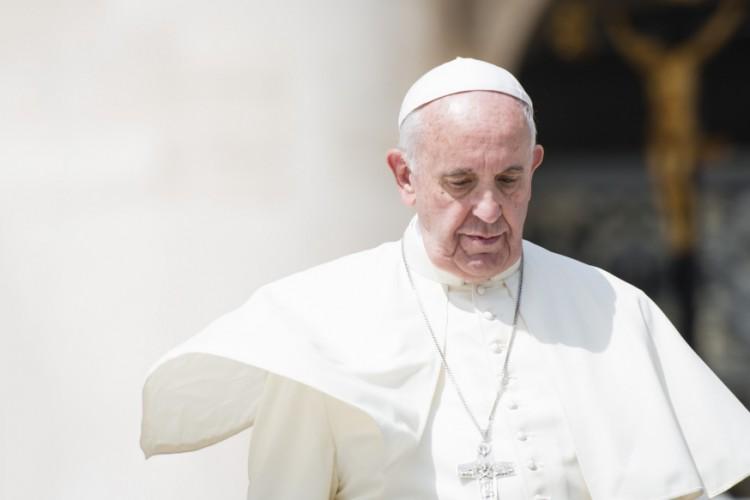 Papa Francisco comovido pelas vítimas do terremoto na Itália