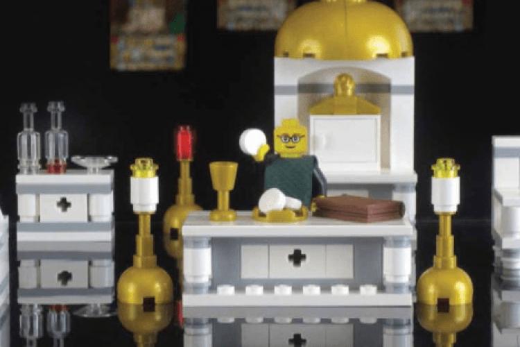 Kit Lego que retrata Missa faz sucesso em lojas católicas