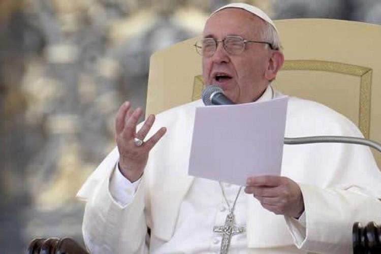 Papa Francisco: anunciar Cristo construindo pontes, nada de agressão