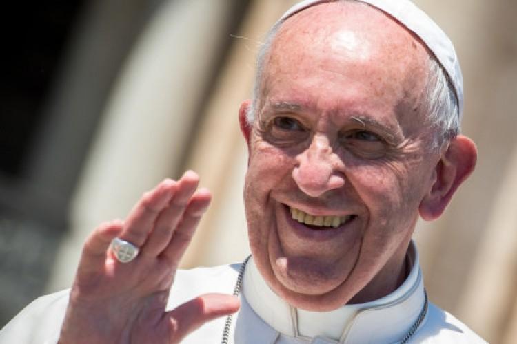 Jovem produtor conta como conseguiu convencer o Papa Francisco a participar de um filme